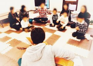 東京都杉並区 放課後等デイサービス まぁぶる高井戸 歌を楽しむ